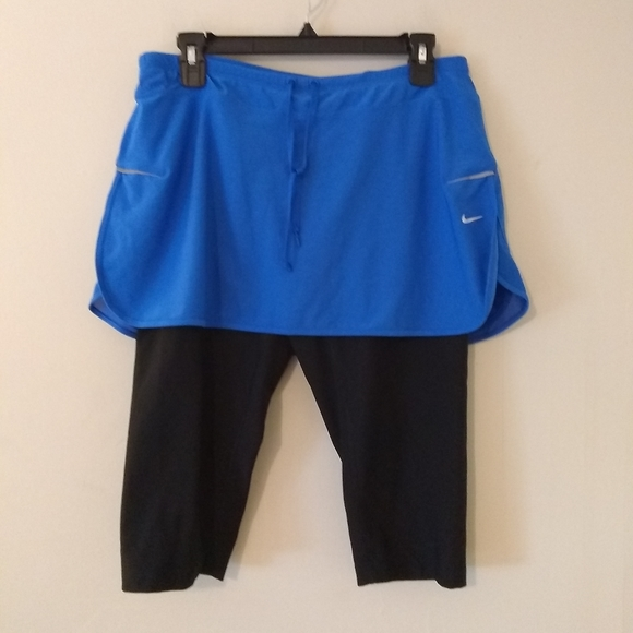 Nike Dri Fit Skirt w/ Attached Cropped Leggings L